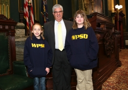 October 20, 2015: Senator Fontana enjoyed meeting with students from the Western Pennsylvania School for the Deaf (WPSD) at the Capitol in Harrisburg.