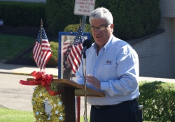 May 23, 2015: Senator Fontana was proud to offer remarks at the annual Memorial Service at the Monument Parklet in Beechview.