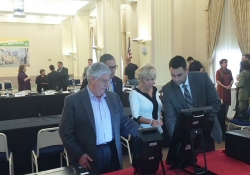 October 26, 2017: Senator Fontana participated in a Joint Senate & House Democratic Policy Committee hearing on voting technology at Point Park University.