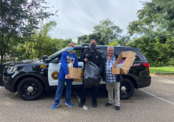 September 25, 2021: Senator Fontana joined with Representative Dan Deasy to host a Shredding Event in Beechview on Saturday, Sept. 25. Thanks to the Allegheny County Deputy Sheriff Joe Cirigilano for participating by collecting unwanted and unused medications as part of the Sheriff's Project D.U.M.P. program.